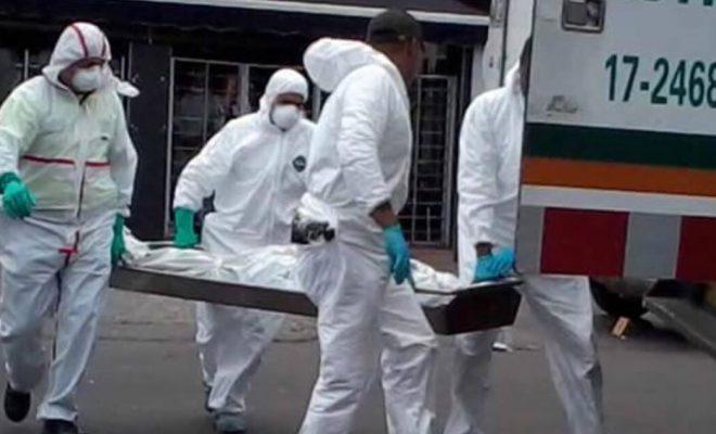 Una mujer fue follada en un minibus